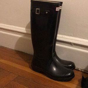 Black hunter boots; worn once, perfect